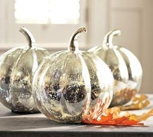 easy-diy-craetive-mercury-spray-paint-pumpkin-mirror-finish-center-piece-stylish-decoration